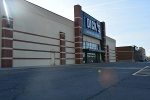 Batavia Dicks Sporting Goods 2 300x200 - Batavia Dick's Sporting Goods 2