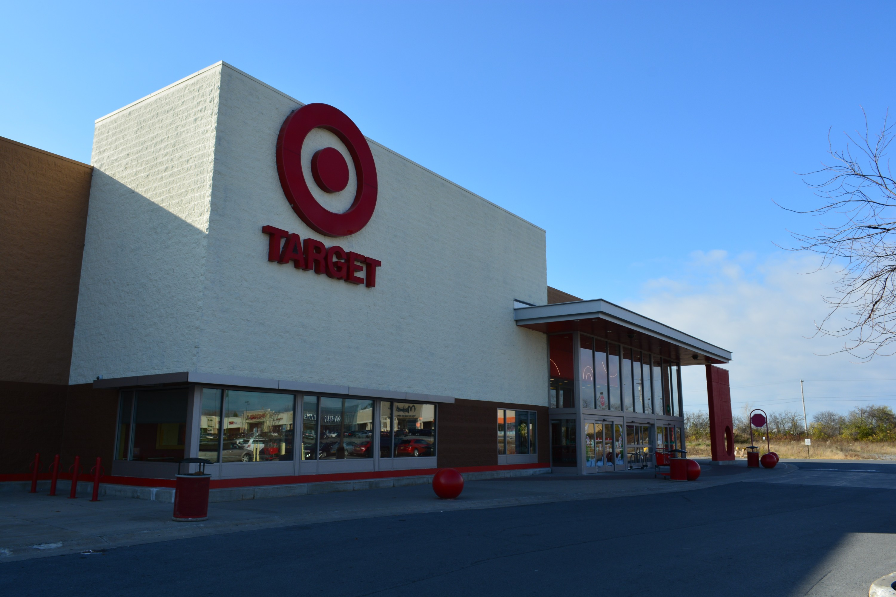 TARGET entry - Towne Center at Watertown – Watertown, NY